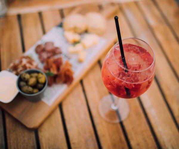 borrelplank-gin-tonic